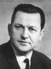Професорові Віктору Степановичу Карпенку присвячується