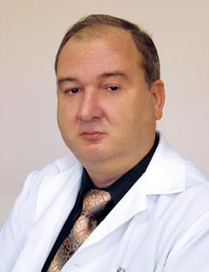 Комбинированная гастрэктомия срезекцией участка аномально отходящей общей печеночной артерии иформированием межсосудистого анастомоза